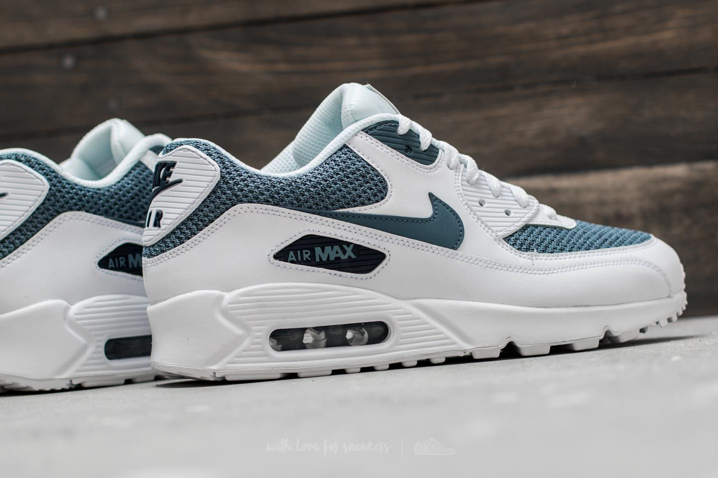nike air max 90 essential white armory blue armory blue