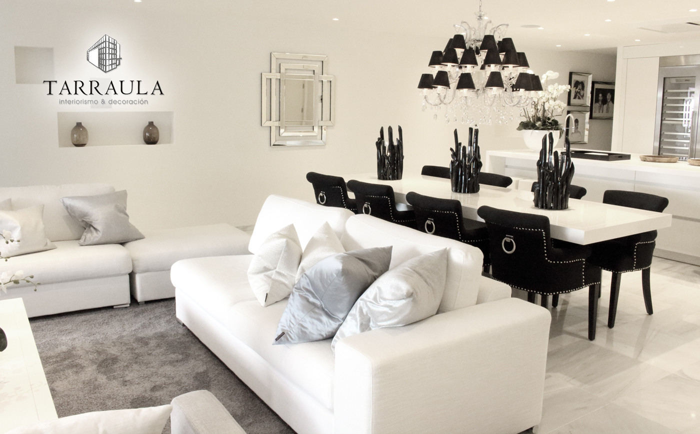 decoracion edor salon chandelier negro blanco mesa
