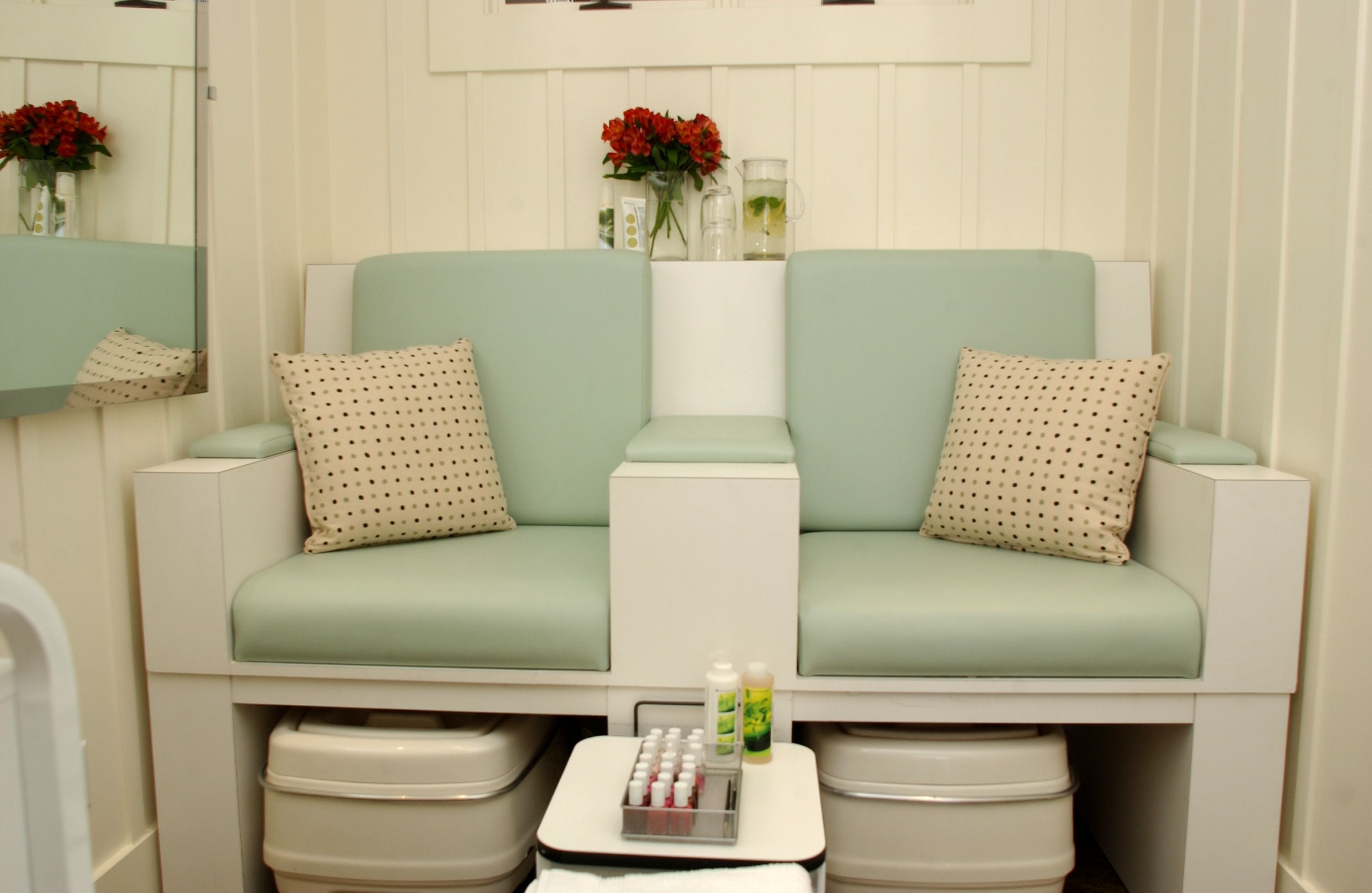 muebles manicure y pedicure spa